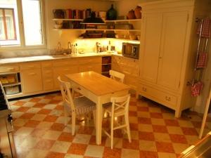 Abitazione a Venezia, arredi cucina in rovere e laccati, Arch. Andrea Chiari