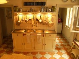 Abitazione a Venezia, arredi cucina in rovere e laccati, Arch. Andrea Chiari 2
