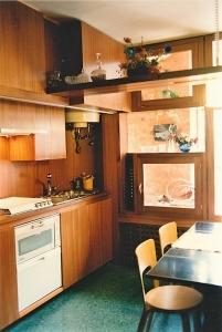 Abitazione a Venezia, cucina in mogano, Arch. Valeriano Pastor
