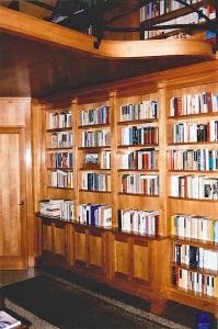 Abitazione a Venezia, libreria e soppalco in ciliegio, Arch. Gianni Capovilla