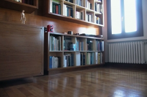 Abitazione a Venezia, libreria in betulla e iroko, Arch. Maura Manzelle 6
