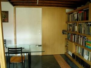 Abitazione a Venezia, libreria in rovere, Arch. Giovanni Leone