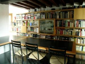 Abitazione a Venezia, libreria in rovere, Arch. Giovanni Leone 2