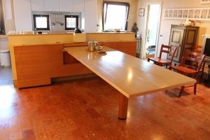 Abitazione a Venezia, tavolo cucina in frassino, Arch. Franca Semi 2